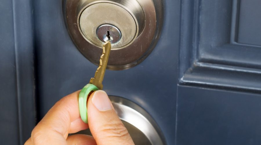 How a residential locksmith can increase the security of your home